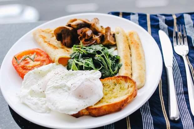 Врач раскрыл секрет полезного завтрака