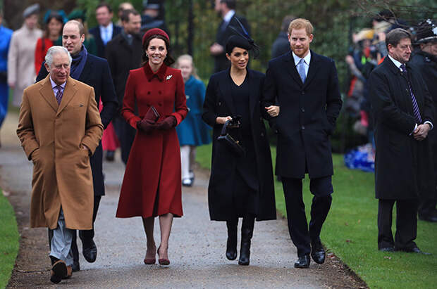 Принц Чарльз, принц Уильям, Кейт Миддлтон, Меган Маркл и принц Гарри