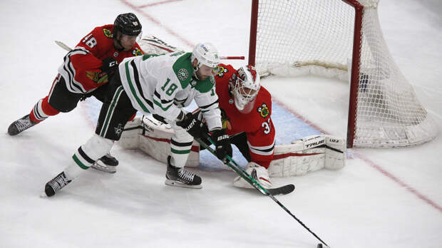 Шайба Гурьянова не спасла «Даллас» от поражения в матче НХЛ с «Чикаго»