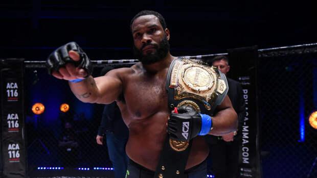 Чемпион АСА Джонсон удивлен спадом Александра Емельяненко после боя с ним