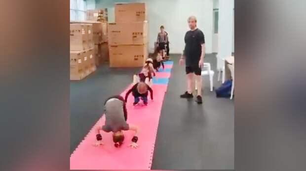 Плющенко показал тренировку своих воспитанников под песню «День Победы»