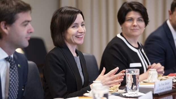 В Молдавии возмущены решением Майи Санду продать страну Западу