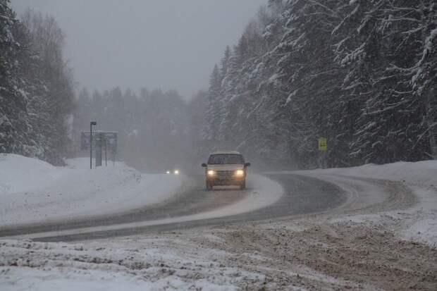 Водителей Удмуртии попросили быть внимательнее на дорогах