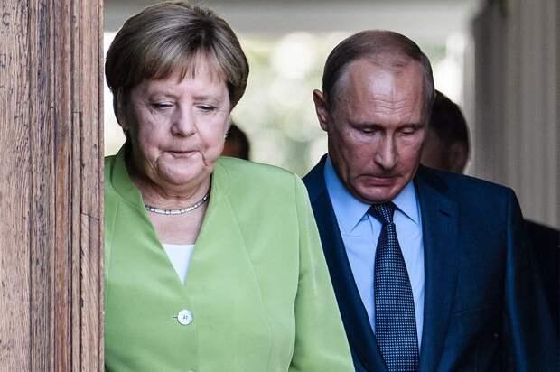 Меркель заявила, что не критикует Путина за глаза