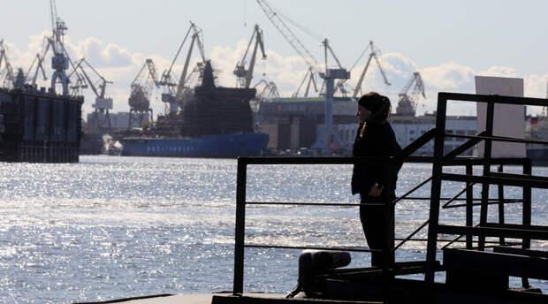 Ударивший ножом девятиклассницу мужчина разыскивается в Петербурге