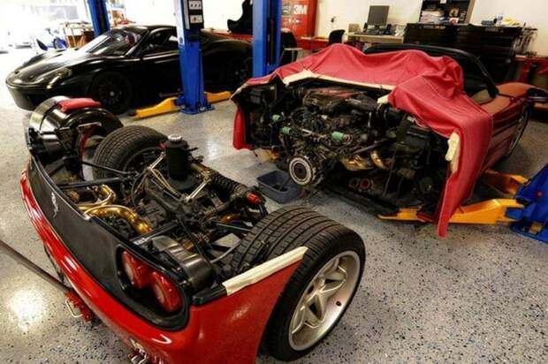 Как меняют сцепление на спорткаре Ferrari F50 ferrari, ferrari f50, авто, интересно., суперкар, сцепление, факты