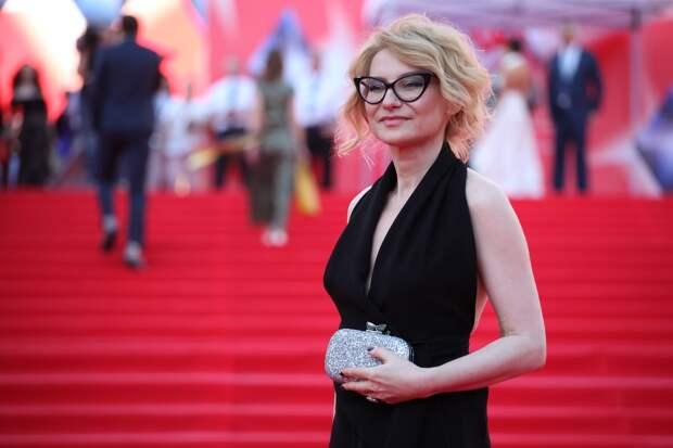 «Все корректно»: Хромченко показала идеальный наряд для женщин с фигурой «груша»