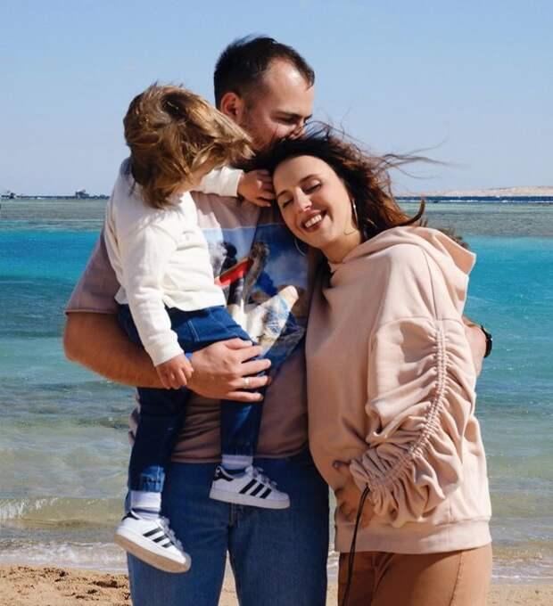 Ждем аиста: какие звезды станут родителями в 2020 году
