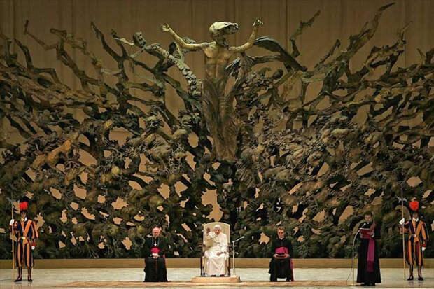 Рептилоиды в Ватикане