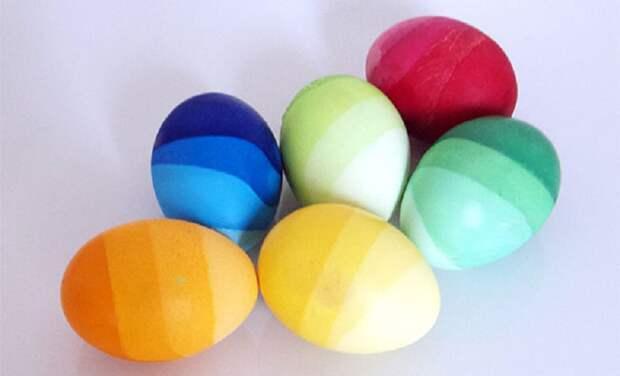 интересное окрашивание яиц на пасху