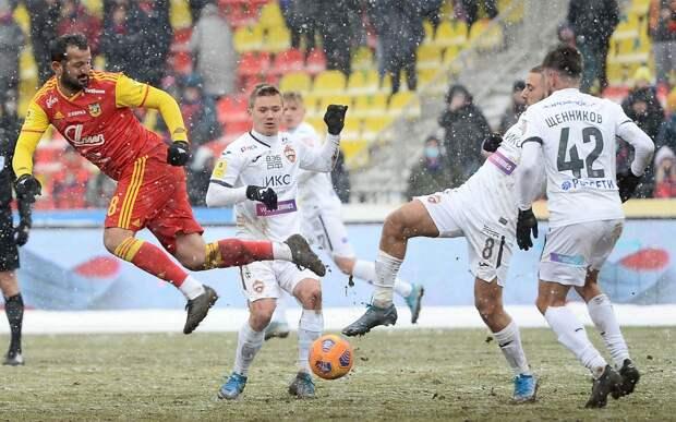 «Арсенал» обыграл ЦСКА и прервал 10-матчевую серию без побед в РПЛ. Туляки заканчивали игру вдевятером