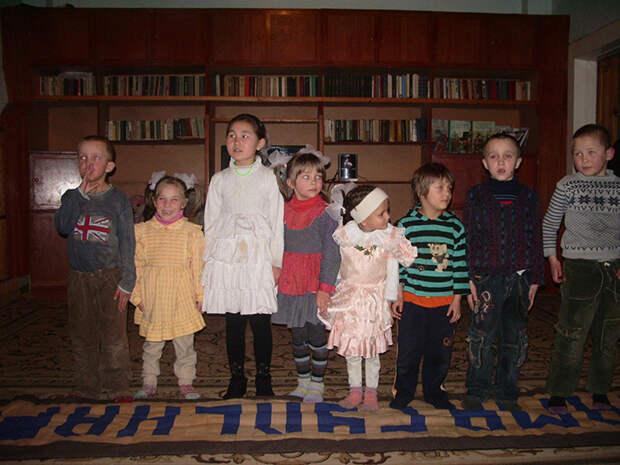 Дети из приюта в Киргизии.