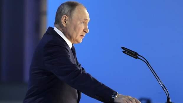 Путин поздравил жителей стран СНГ с Днем Победы