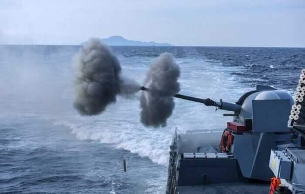 Военный корабль Израиля атаковало неопознанное судно