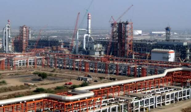 Половину внефтехимическом проекте Nayara Energy может купить Shell