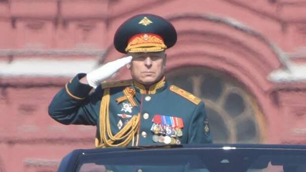 Командующий парадом Победы Салюков пошутил, отвечая на вопросы журналистов
