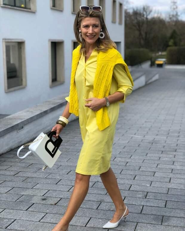 Женщина в желтой рубашке. /Фото: ladyline.me