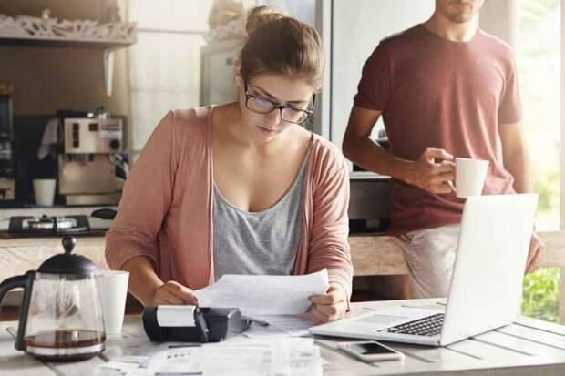 У мужа деньги есть, но он помогать жене с кредитом не хочет: «Ты сама наворотила дел!»