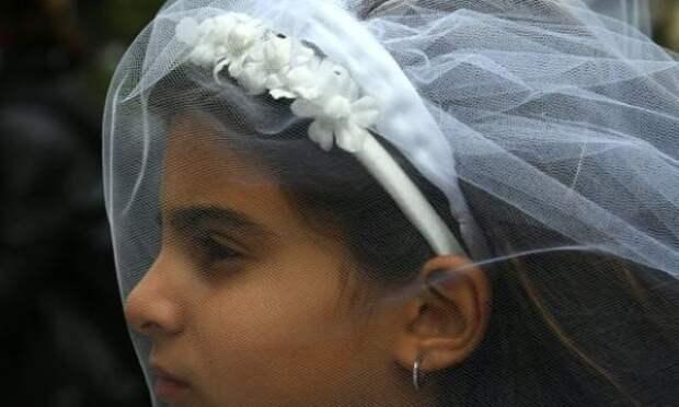В Англии и Уэльсе законодательно запретят ранние браки