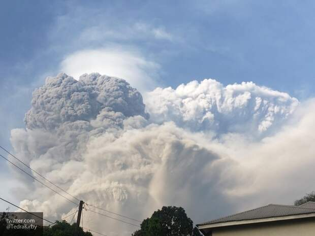 Власти ДРК начали эвакуацию города Гома из-за извержения гигантского вулкана