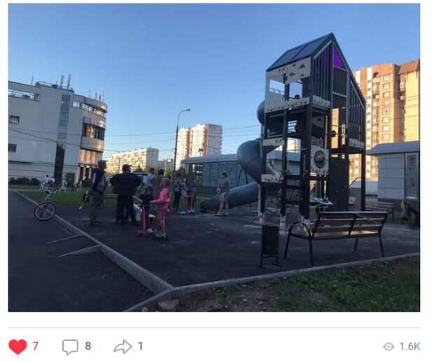 Детскую площадку во двор на Енисейской планируют вернуть в августе