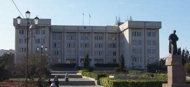 Решившим отказаться от мандатов депутатам Севастополя не дали уйти
