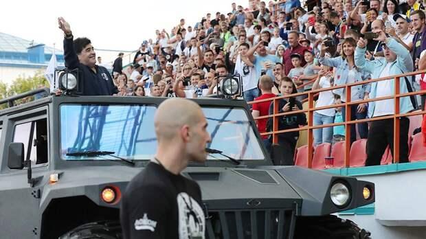 «Народ чуть не сдурел». Экс-игрок брестского «Динамо» Нойок рассказал о том, как в клуб приезжал Марадона