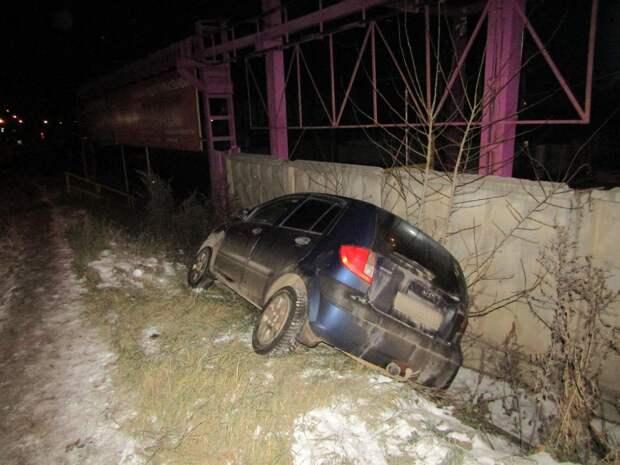 Пьяный водитель въехал в столб на улице Новоажимова в Ижевске