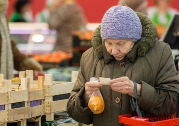 Нужно ли вводить выплаты на продукты для нуждающихся?