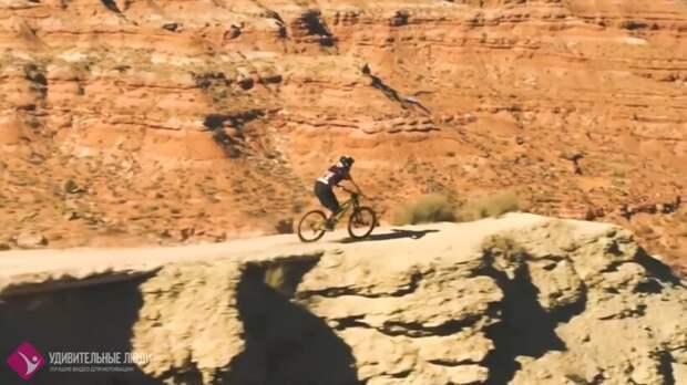 Видео: Захватывающий дух скоростной спуск на велосипеде