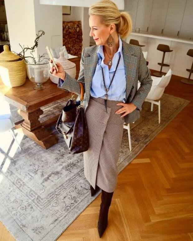 Как нужно выглядеть в офисе женщине 50+. Тренды 2021