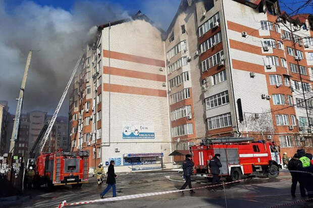 В Анапе ликвидировали открытое горение в многоквартирном доме