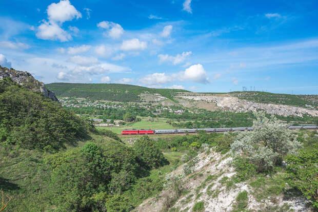 Поезда из Тамбова начнут ходить в Крым и обратно в мае