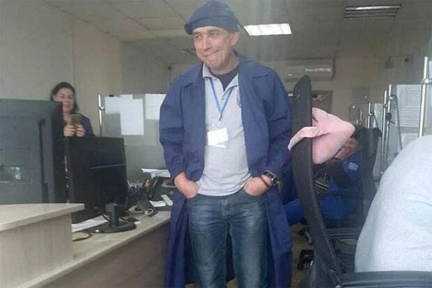 Медиков «скорой» Севастополя нарядили в костюмы трудовиков