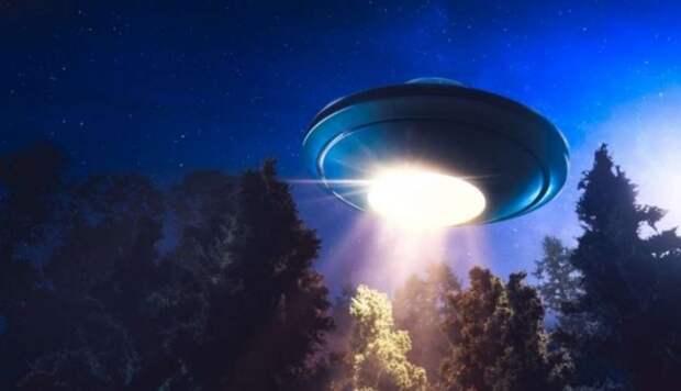 Видео НЛО, появившегося возле нескольких авиалайнеров над Ирландией, наконец оказалось в Сети и ошарашило мир
