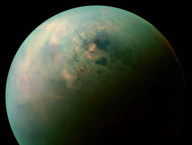 Ученые нашли на Титане инопланетные кристаллы
