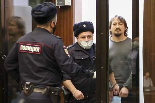 Суд дал сроки до 12 лет полицейским, подкинувшим наркотики Ивану Голунову