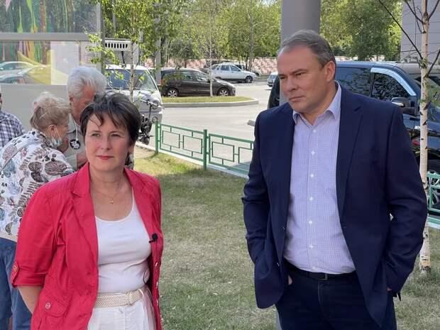 Светлана Разворотнева и Петр Толстой встретились с жителями Москворечья-Сабурова. Фото:Екатерина Бибикова