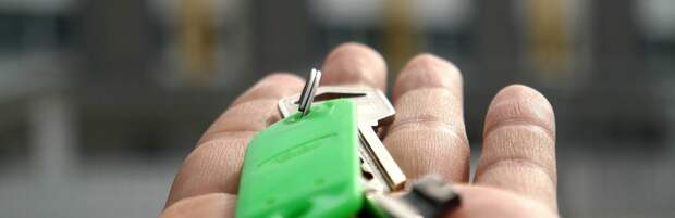 В Атырау участковые помогли пенсионерке оформить дом