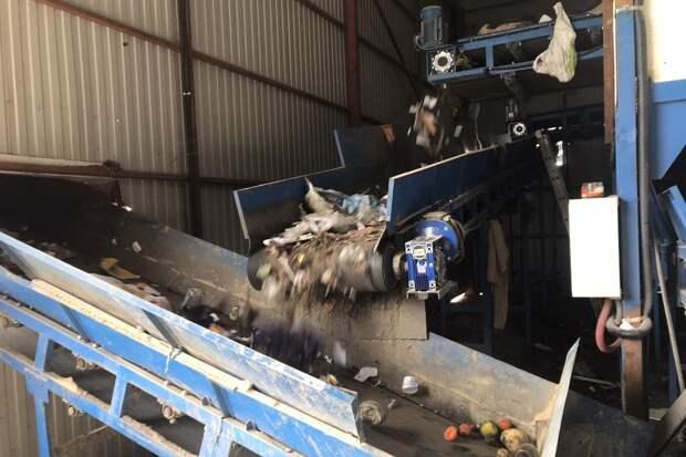 «Мусорный» завод в Каменке загадил отходами всю округу