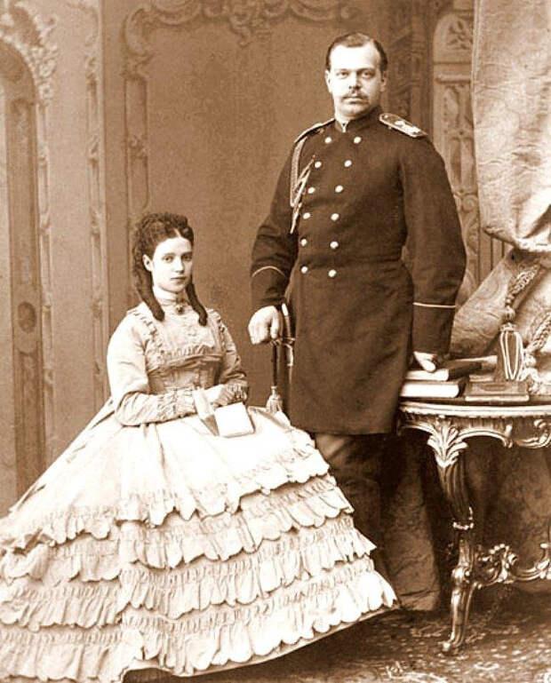 Молодожены Александр и Минни (Мария Федоровна)