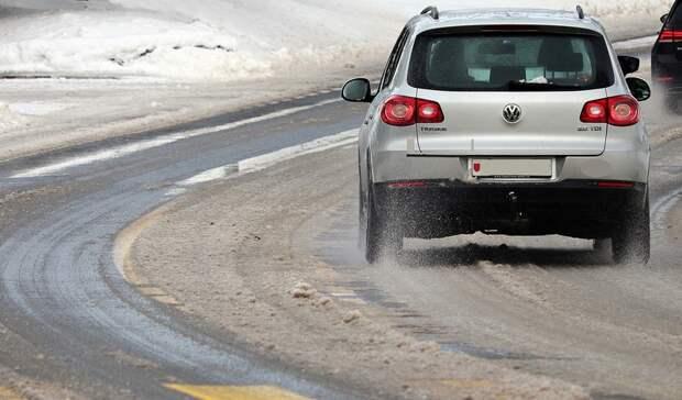 Экстренное предупреждение объявили вРостове из-за урагана,снега и мороза