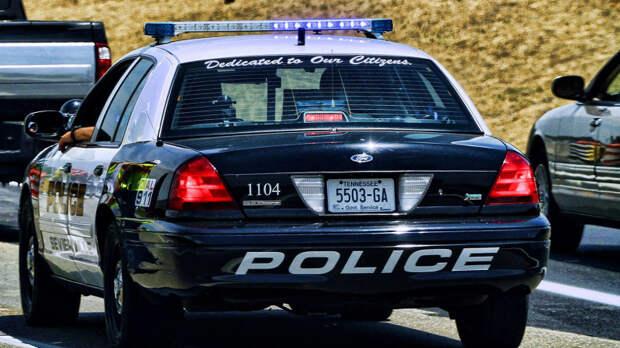 Американца задержали за кражу двух полицейских автомобилей во время погони