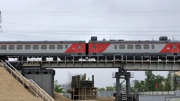 Жителям Петербурга назвали дату завершения реконструкции железнодорожного путепровода