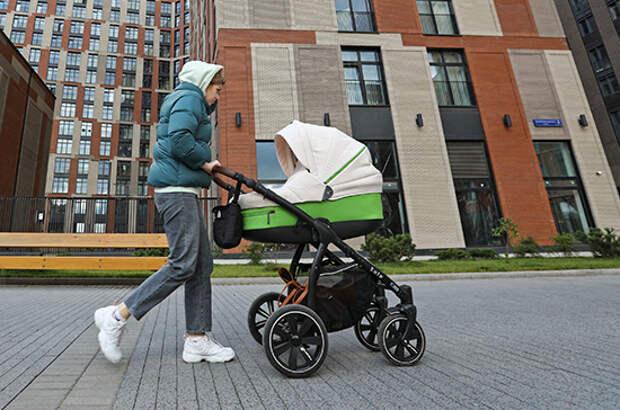 В Роскачестве напомнили, где нельзя хранить детские коляски