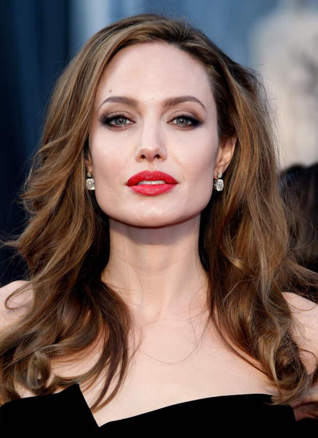 Кто из этих самых красивых женщин 2021 года  всех милее и краше?