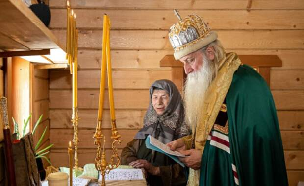 Отшельница Агафья Лыкова въехала в новый дом