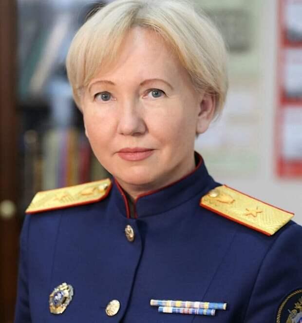 Официальный представитель МИД России с 10 августа 2015 года. Имеет дипломатический ранг — Чрезвычайный и Полномочный Посол.