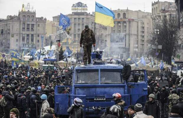 Украина на грани: США начинают дёргаться и решать проблему