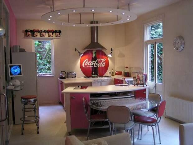 http://www.interiordesignpro.org/wp-content/uploads/2011/01/50s-style-Diner-Americana1.jpg